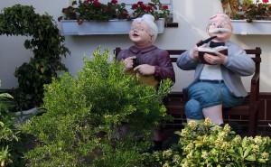 grandma-86649_1280